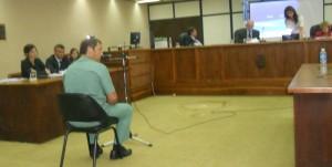 El médico forense Adrián Siemens relató y mostró con imágenes como fue la autopsia.