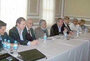 La reunión se realizó en el Club Social.