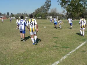 2010-club de profesionales+más equipos y predio (10)