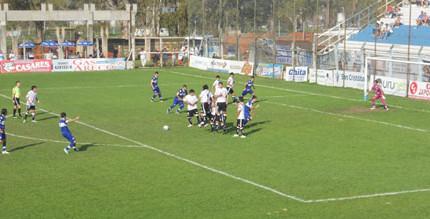 Gimnasia vs Hornos Zapla de Jujuy 30-08-15-Reválida-cuarta fecha 014
