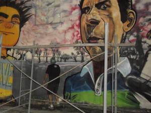 Los artistas trabajaron hasta tarde, con la luz artificial. (Foto: El Miércoles Digital).